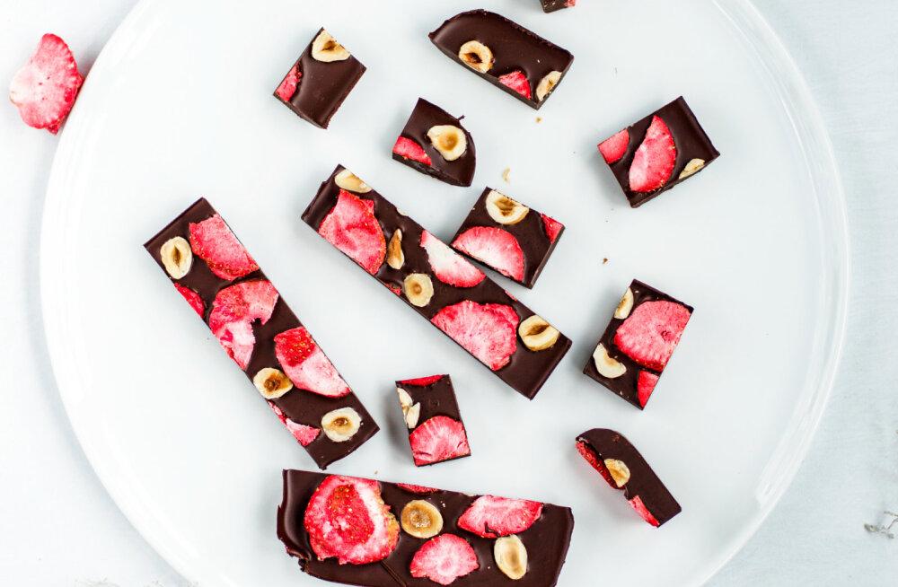 Три кусочка темного шоколада в день — и прощай плохое настроение!