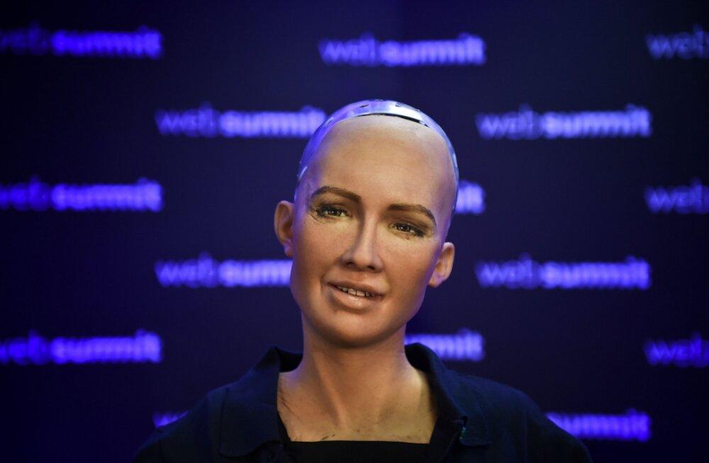 Maailma esimene androidkodanik teatas, et soovib emaks saada