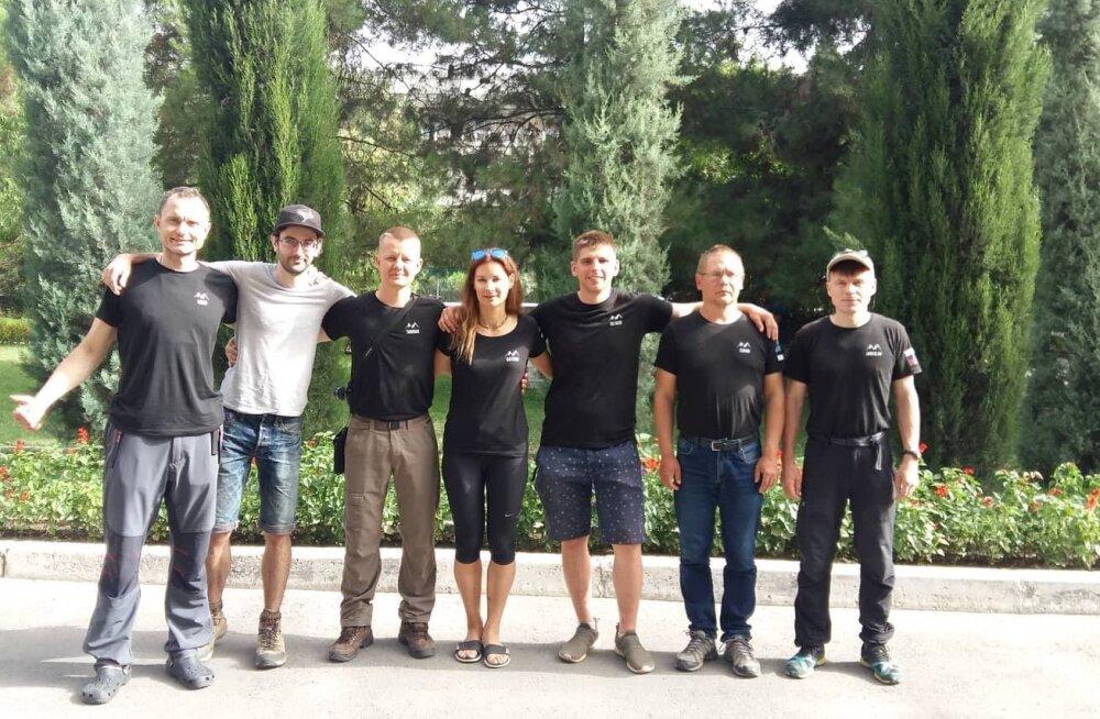 SUPER! Kolm Eesti alpinisti jõudsid Ismoili Somoni mäetippu!