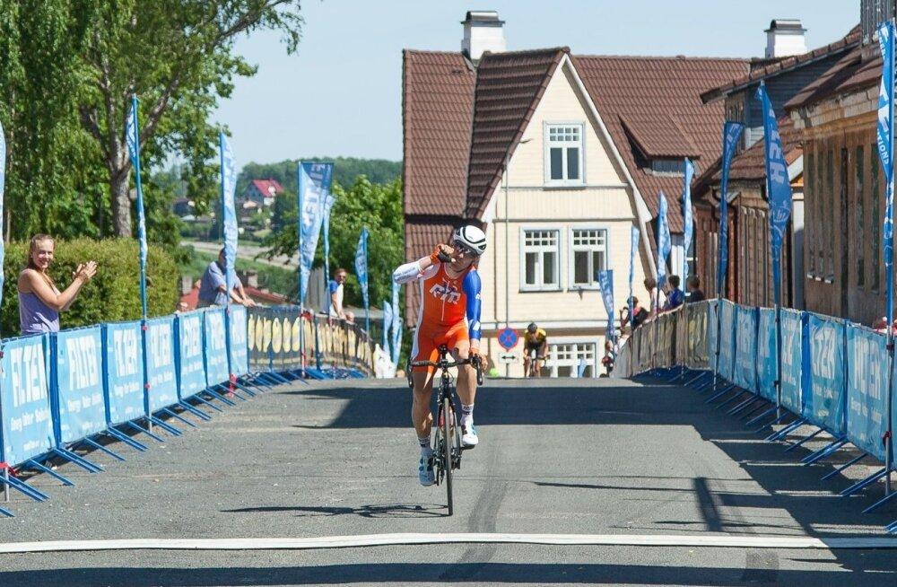 Risto Raid võitjana Mulgi rattaralli finišis