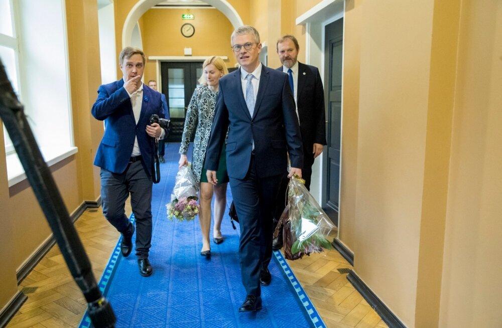 Riina Sikkut ja Janek Mäggi Riigikogus ametivannet andmas
