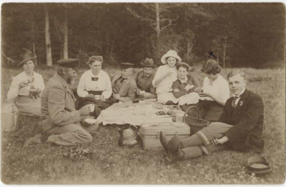 Tule ajalukku! | 1919: Ülehomme on töö tegemine keelatud