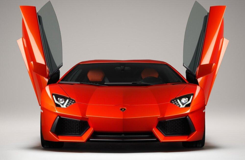 KALLIS OSTA, KALLIS PIDADA: Lamborghini Aventador läks tootmisse aastal 2011 ja maksab uuena üle 300 000 euro.