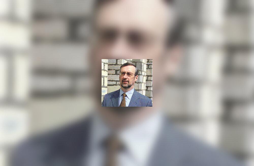 <b>Jõerüüt esitas särgiskandaali pärast lahkumisavalduse</b>