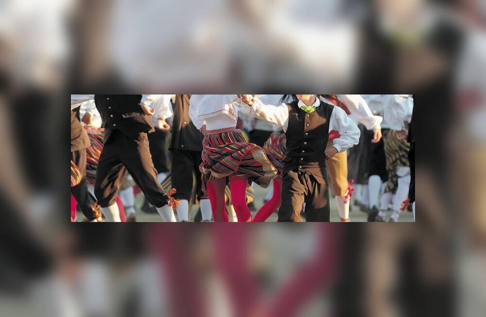 Arvustus: Laulu- ja tantsupidu – parim ravi kauboikapitalismi vastu