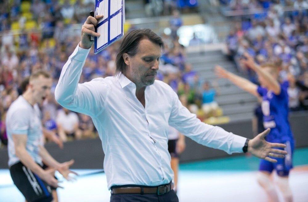 Eesti koondise peatreener Gheorghe Creţu polnud mängupildiga mõistagi rahul.