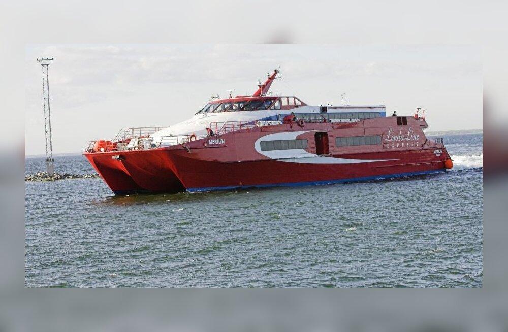 Lindaline´i kiirlaeva mootor seiskus keset merd