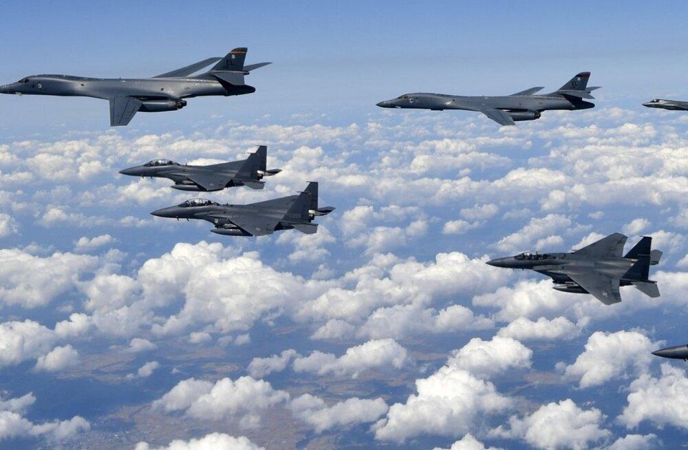 Lõuna-Korea ja USA alustasid suurimat ühist lennuväeõppust, mis Põhja-Korea teatel viib tuumasõja äärele