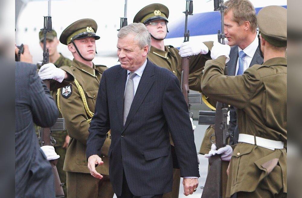 NATO peasekretär: Balti riigid ei jää sõjalise kaitseta