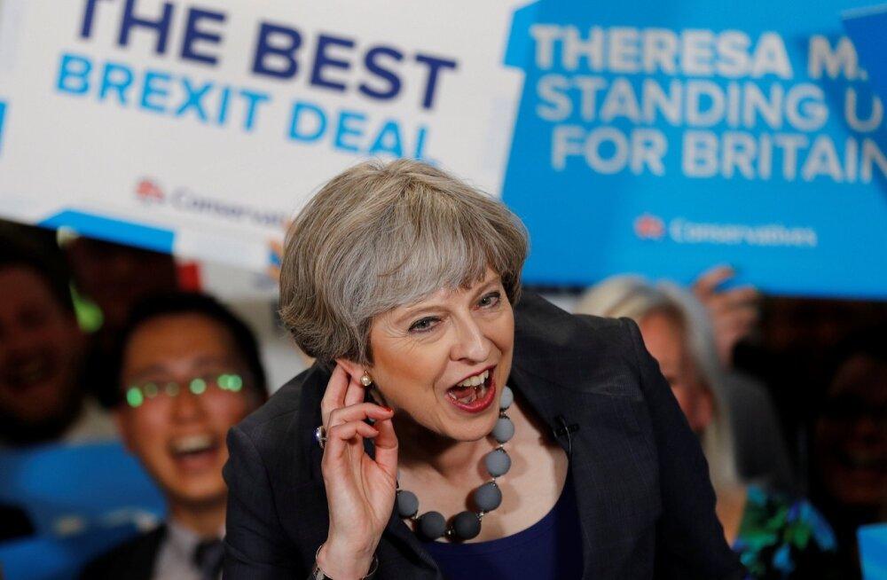 """May: """"Ma ei kuule hästi küsimust, aga vastus on """"tugev ja stabiilne""""."""""""
