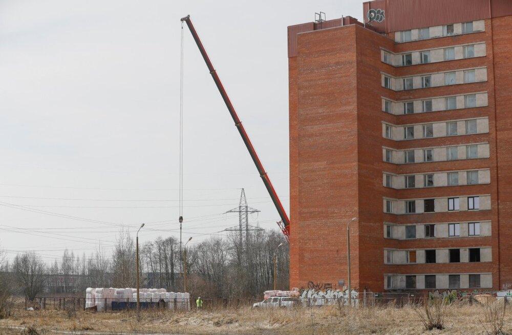 """ФОТО: Интерес к строящемуся в Ласнамяэ """"самому большому жилому дому Эстонии"""" превзошел все ожидания"""
