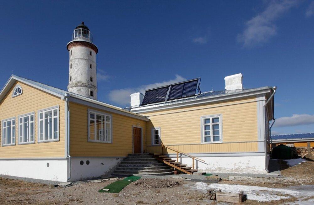 Toetus 240 000 eurot: Vilsandi tuletorni vahimaja rekonstrueerimine läks väidetavalt maksma 600 000 eurot. Vilsandi Energiamaja omava Inotex Grupi käive oli tänavu esimeses kvartalis 40 eurot.