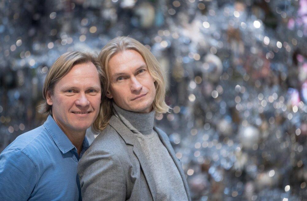 Taivo Piller (vasakul)  ja Mart Haber on elanud koos 26 aastat. Selle aasta mais abiellusid nad New Yorgis.