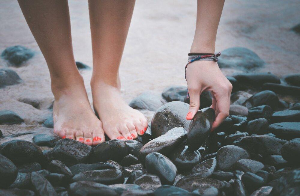 Прекрасно, но опасно: как забыть об искривлении пальцев ног и снова надеть красивые — и удобные! — туфли