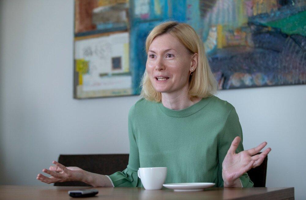 Riina Sikkut ütleb, et kui pikas perspektiivis tahta iseseisvaid proviisoreid, siis tuleb riske trotsides selles suunas ka liikuda.