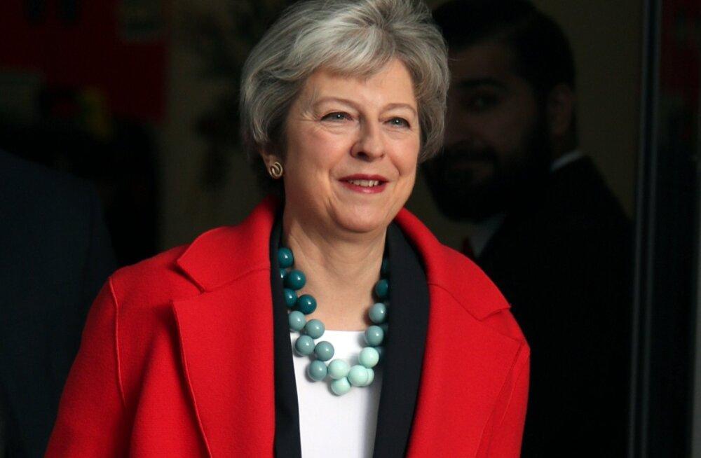 Briti peaminister Theresa May lahkus eile BBC stuudiost, näol pingutatud naeratus. Algav nädal ei tõota tulla talle kerge.