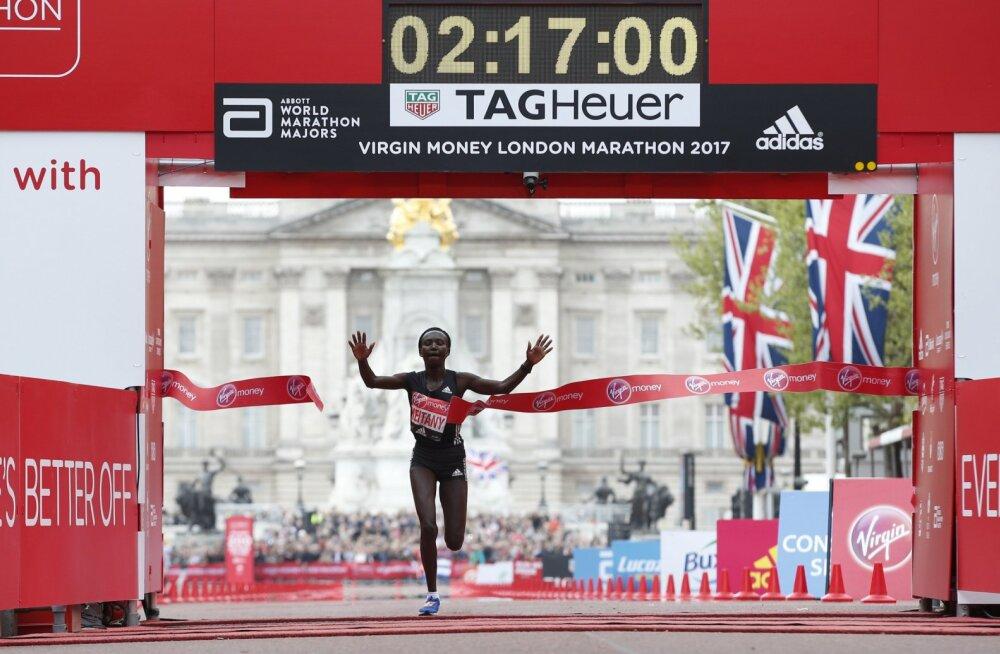 Keenia maratoonar üritab meesjäneste abil ka teist naiste maailmarekordit purustada
