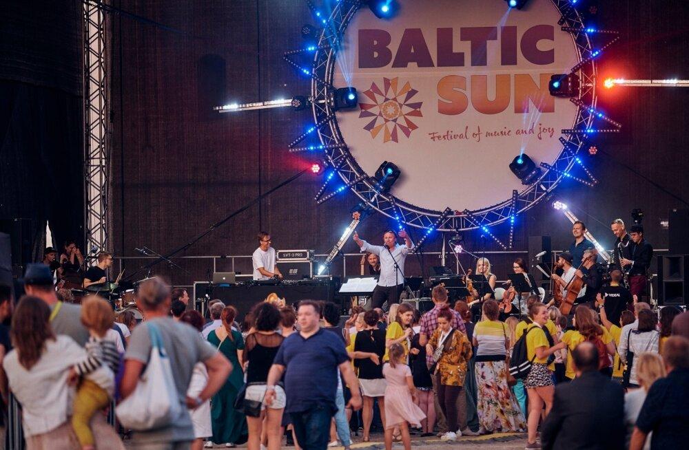 Muusikafesivalil Baltic Sun polnud just keeruline lava ette artiste vaatama pääseda, kuna seal seisis ainult paar rida huvilisi.