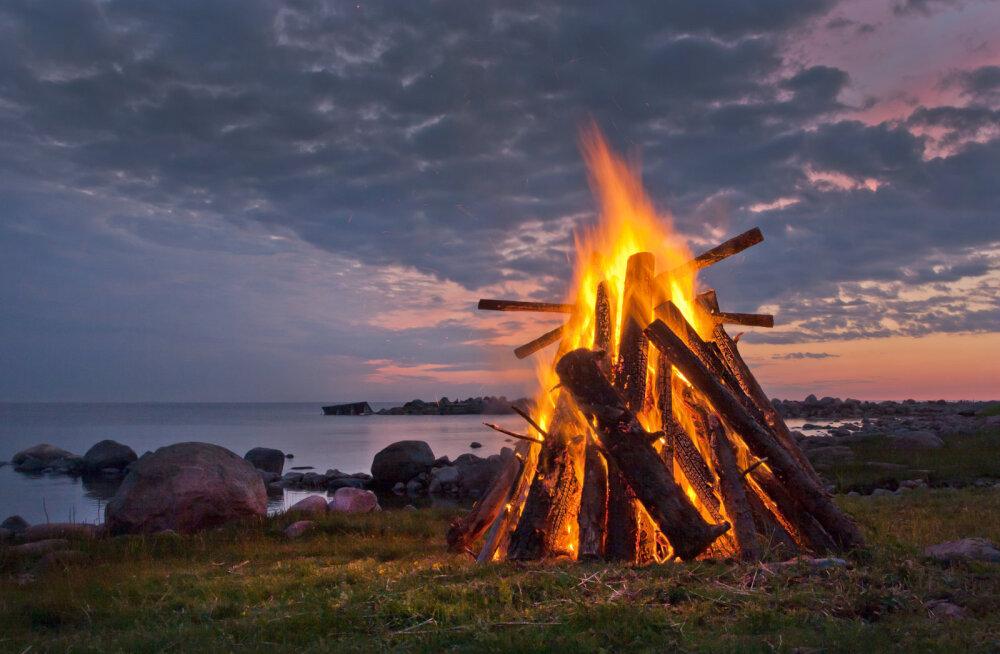 PANE TÄHELE | Kas tead, mida tohib põletada jaanilõkkes?
