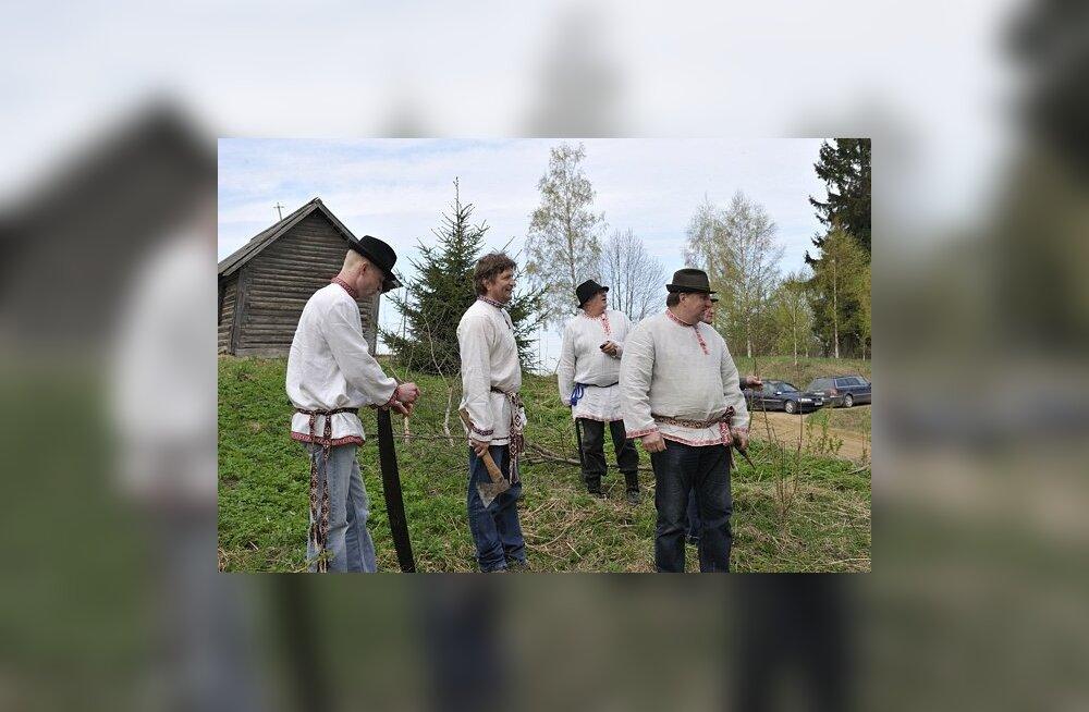 FOTOD JA VIDEOD: Setumaa talgus tehti tööd ja lauldi