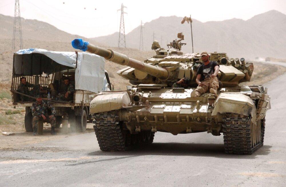 Islamiriik taganeb: Süüria valitsusväed hõivasid Palmyra, Iraak ja Türgi lähenevad Mosulile