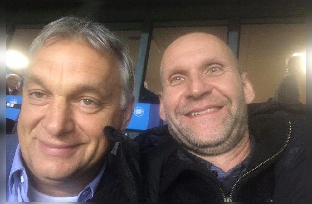 Oktoobris kasutas Isamaa esimees Helir-Valdor Seeder (paremal) võimalust pildistada ennast koos Eesti-Ungari jalgpallimatši vaatama tulnud Ungari peaministri Viktor Orbániga.