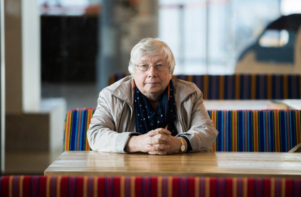 Sotsiaaldemokraat Marju Lauristin Tallinna Lennujaamas. Eurosaadik tunnistab, et Brüsseli vahet sõitmine on füüsiliselt järjest raskem ja et mõne kuu pärast on õige aeg päriselt kodumaale naasta.