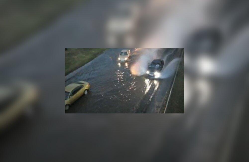 VIDEO: Tammsaare tee pikendus lainetas vihmaveest