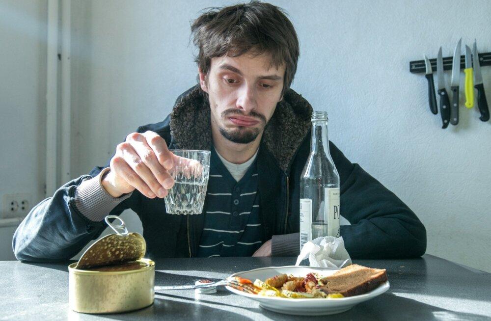 Похмелье, закуска и хроническое опьянение: разбираем мифы об алкоголе