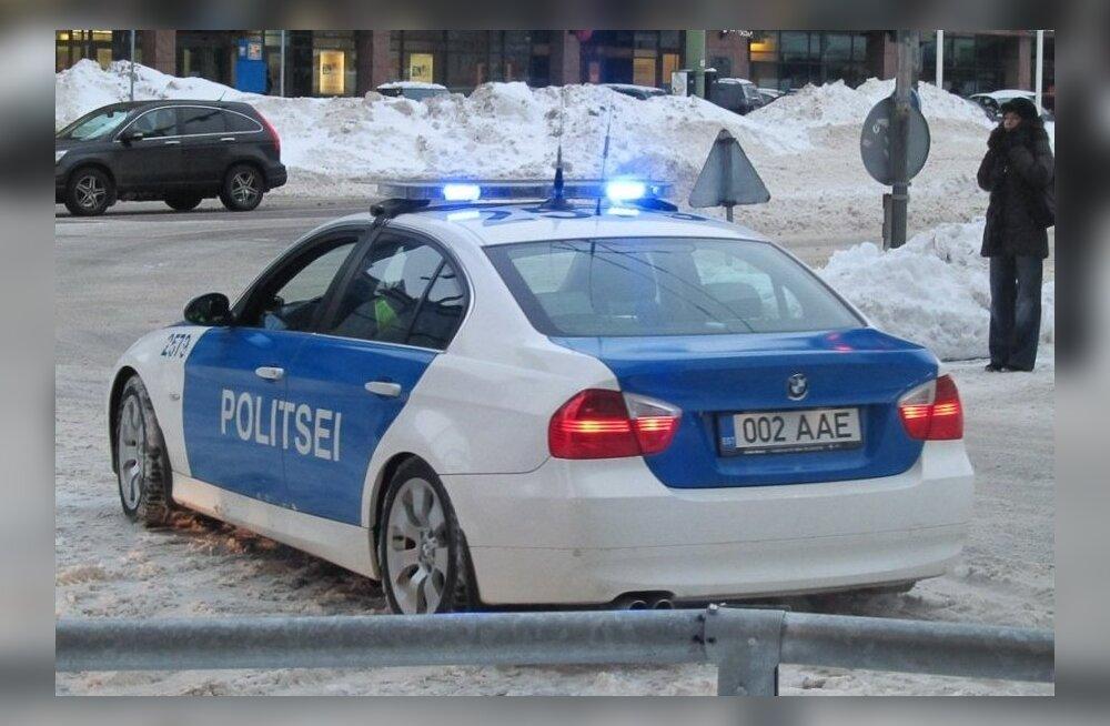 Полицейский превысил в нерабочее время скорость и попытался уйти от ответственности при помощи удостоверения