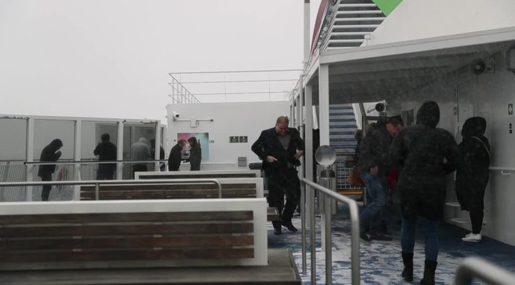 06d711455f9 DELFI VIDEO | Laevasõit Tallinna ja Helsingi vahelisel tormisel merel oli  üllatavalt rahulik