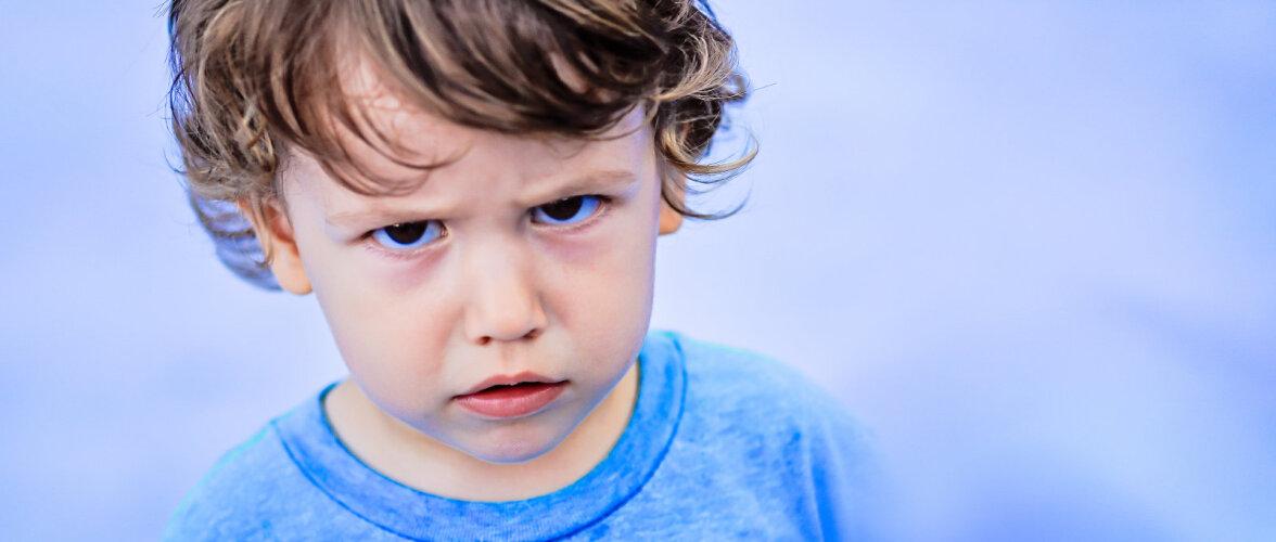 Emotsioonid keesid üle, laps tõusis voodis püsti ning lõi pead vastu puidust voodiserva