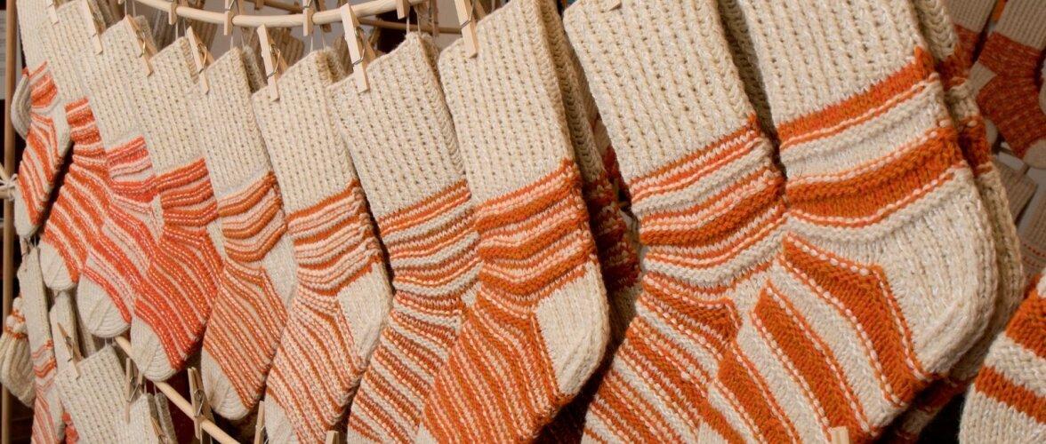 Värskendav on kohtuda vihmases päevas terve toatäie päikesekarva sokkidega.