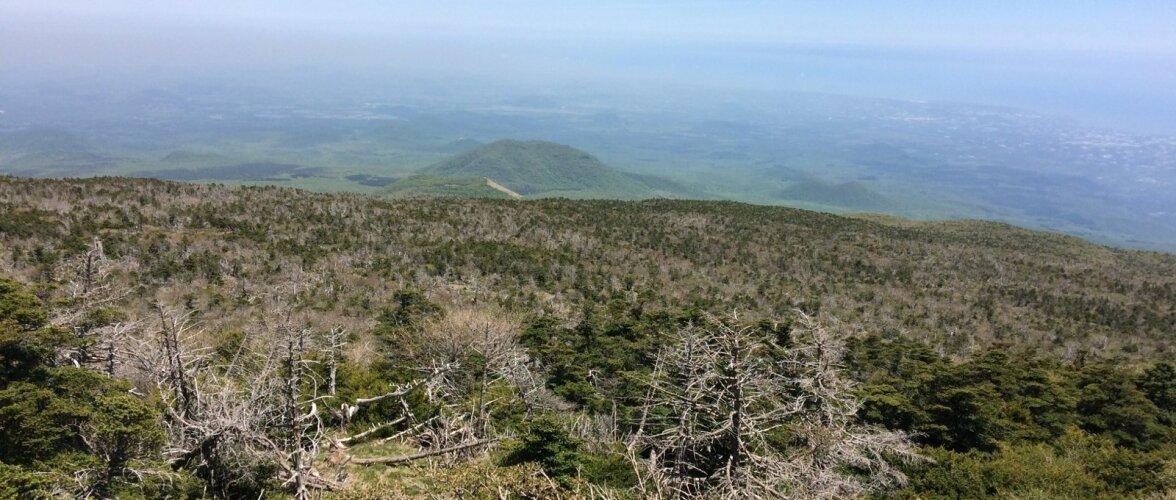 Vaade Hallasani tipust Jeju saarele