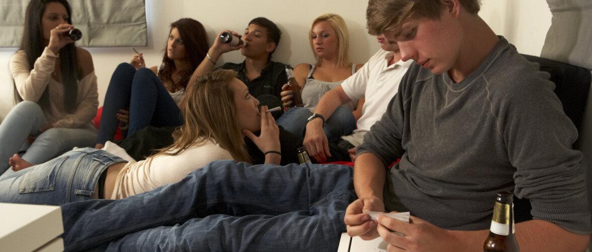 Noorte nikotiinisõltuvus algab nüüd mitte sigaretist, vaid huuletubakast, e-sigaretist ja vesipiibust