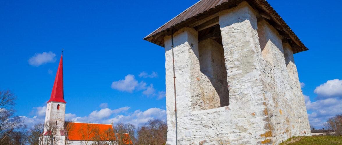 EESTI 100 AARET | Eesti ainus kirikust eraldi paiknev kellatorn