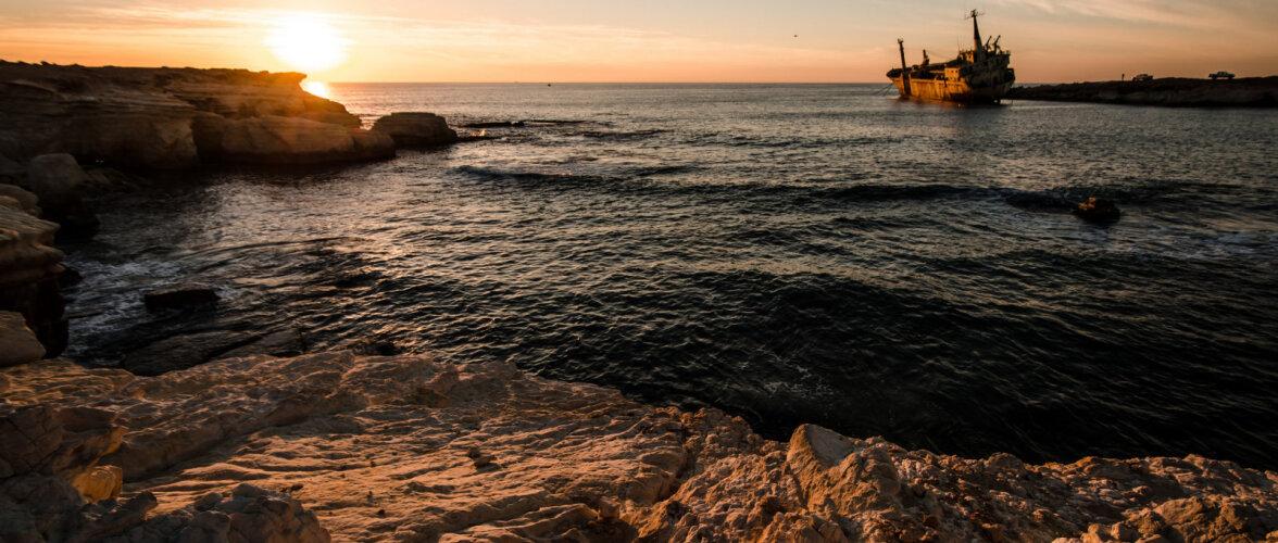 Туристы заваливают Кипр мусором