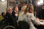 Edgar Savisaar kohtus paarikümne toetajaga Tapa kohvikus