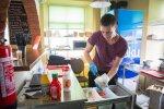 Väikelinnas avas uksed uus omanäoline burgeriäri