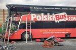 Odavbussifirma kahekordne buss sattus Poolas ränka liiklusõnnetusse