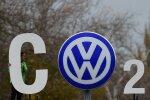 Greenpeace'i aktivistid Volkswageni peakontori juures
