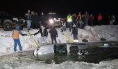 Männiku karjääri uppunud Subaru tõmmati jääaugust välja
