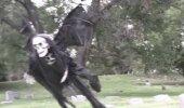 VIDEO | See halloweeni tüng paneb isegi täiskasvanud mehed elu eest jooksma