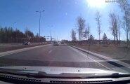 VIDEO: Värske liiklusraev – kaubiku juht vihastab, kui teda vahele ei lasta