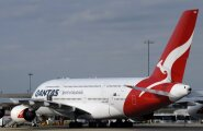 Intsident õhus lahendati oskuslikult: Lennukiistme vahel kärssas katki läinud mobiiltelefon