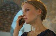 """VAATA: Sarjas """"Pilvede all"""" läheb talumatult põnevaks: mida plaanib Indreku sohilast ootav Sandra?"""