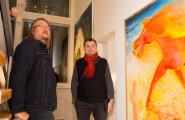 TASUB MINNA: Ülisuured maalid leidsid koha eramajas