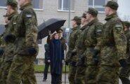 ФОТО: Президент Кальюлайд посетила Вируский пехотный батальон, Нарвскую горуправу и колледж