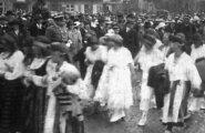 EV100 vanad kaadrid: hetked 1923. aasta laulupeo rongkäigust ning laul, mida lauldakse tänaseni!