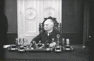 1938. aastal sai Konstantin Päts pärast põhiseadusemuudatust Eesti Vabariigi esimeseks presidendiks.